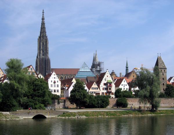 Ulm_Donauschwabenufer1
